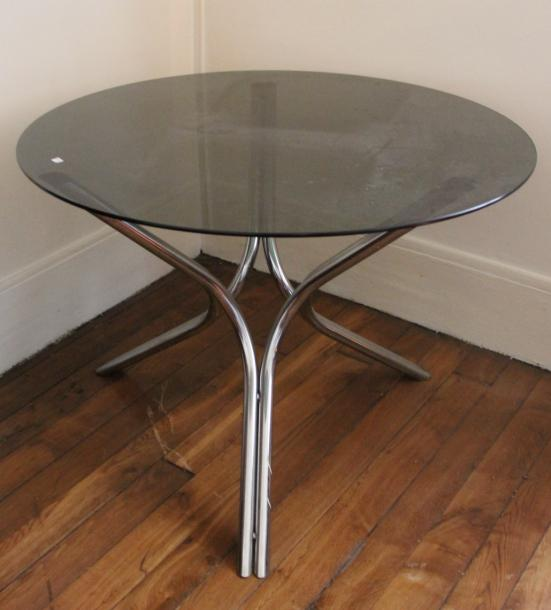 Table Ronde Plateau Verre.Table Ronde En Metal Chrome Plateau Verre Fume Annees 70 H 75 Diam
