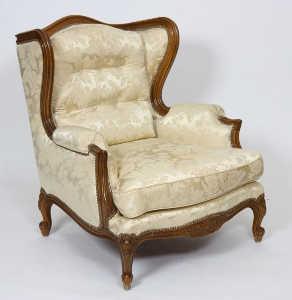 fauteuil bergere a oreilles de style louis xv en bois naturel epoque. Black Bedroom Furniture Sets. Home Design Ideas