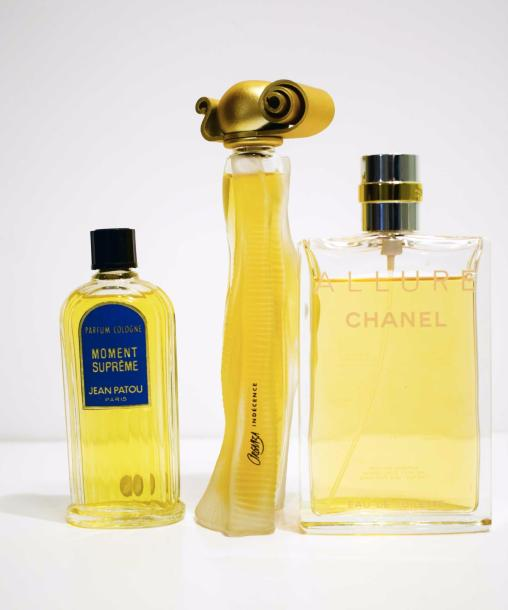 Lot De 3 Flacons Avec Parfum Dorigine Flacon Chanel Allure Eau De