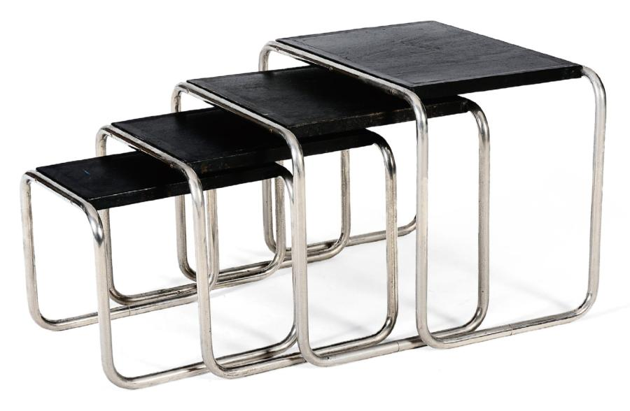 marcel breuer suite de quatre tables gigognes acier chrom tubulaire et. Black Bedroom Furniture Sets. Home Design Ideas