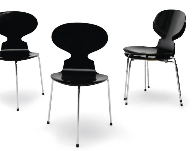 arne jacobsen quatre chaises fourmi en bois laqu noir 4 ant chairs in. Black Bedroom Furniture Sets. Home Design Ideas