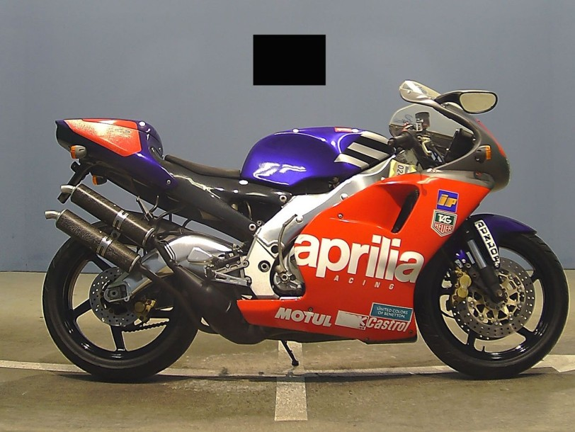 aprilia 250 rs 1998 1999 11 134 kms superbe moto de sport 250 cc. Black Bedroom Furniture Sets. Home Design Ideas