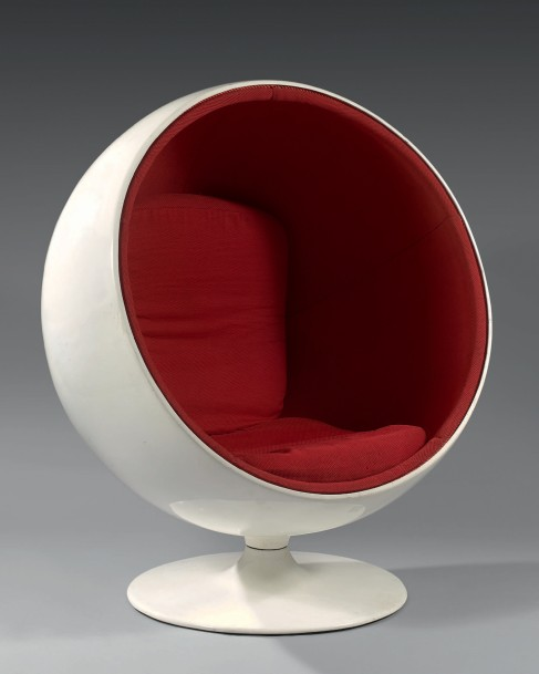 eero aarnio fauteuil pivotant ball chair coque en fibre de verre laqu e. Black Bedroom Furniture Sets. Home Design Ideas