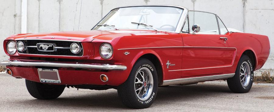 1966 ford mustang convertible toujours tr s pris e la mustang marque. Black Bedroom Furniture Sets. Home Design Ideas