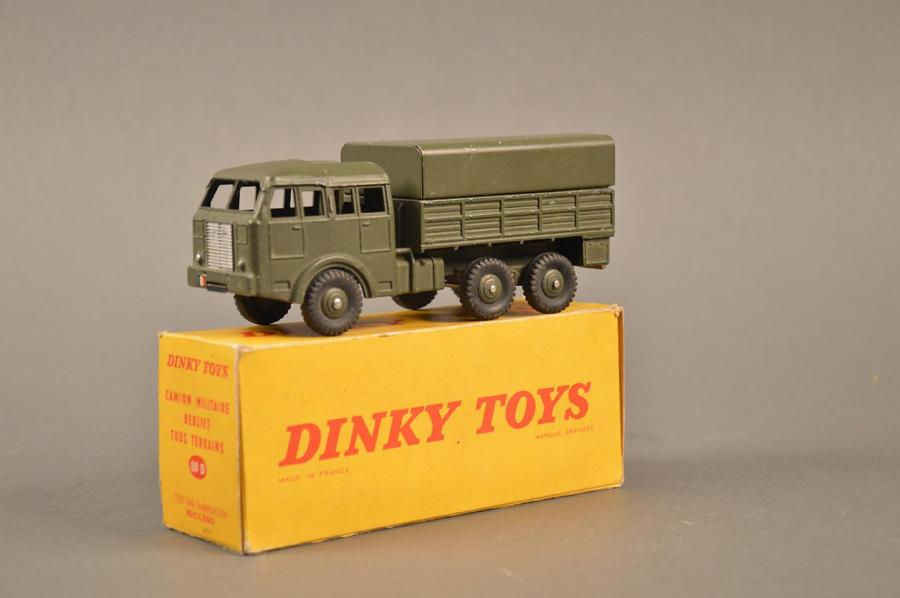 dinky toys camion militaire berliet tout terrain ref 80d petits clats. Black Bedroom Furniture Sets. Home Design Ideas