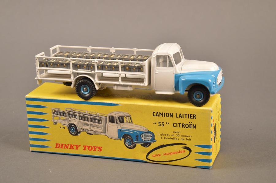 dinky toys camion laitier p55 citro n avec ses bouteilles ref 586 bon. Black Bedroom Furniture Sets. Home Design Ideas