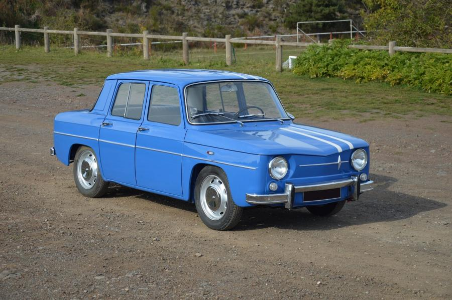 1965 renault 8 gordini ic ne d 39 une g n ration la r8 gordini surnomm e. Black Bedroom Furniture Sets. Home Design Ideas