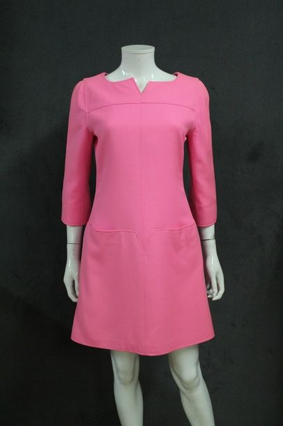 Courreges Paris Circa 1995 Robe En Serge De Laine Rose Fluo Encolure