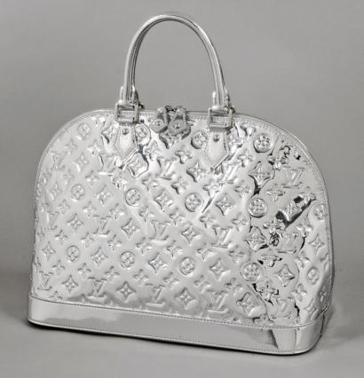 Ventes aux ench res paris louis vuitton sac alma miroir for Vernis miroir argent