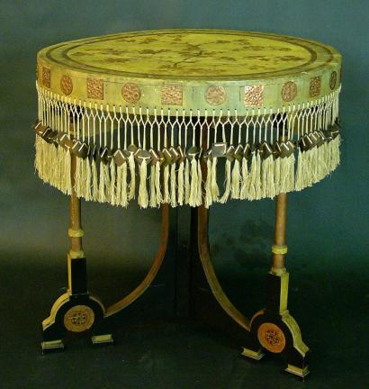 Carlo BUGATTI (1856-1940) Round table with painted top, in yellow and grey c