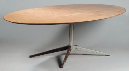 Ventes aux ench res paris florence knoll 1917 table de for Table de salle a manger ovale