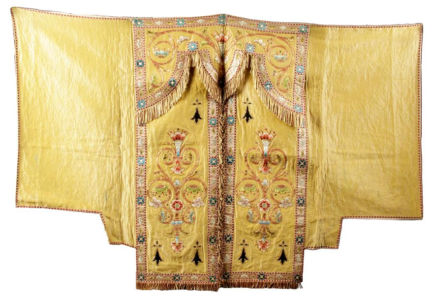 CONOPÉE (voile de tabernacle) en lamé jaune avec applications de satin et broderies,…
