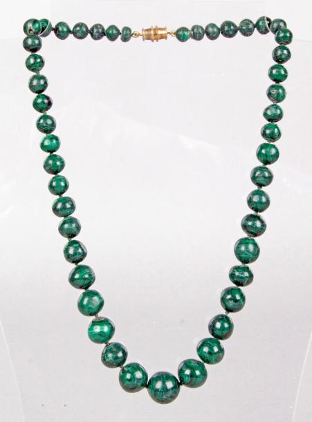 COLLIER EN CHUTE en malachite.