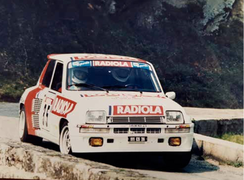 Renault 5 Turbo , 1982 La Renault Turbo reprend la forme générale de la R5 mais on…