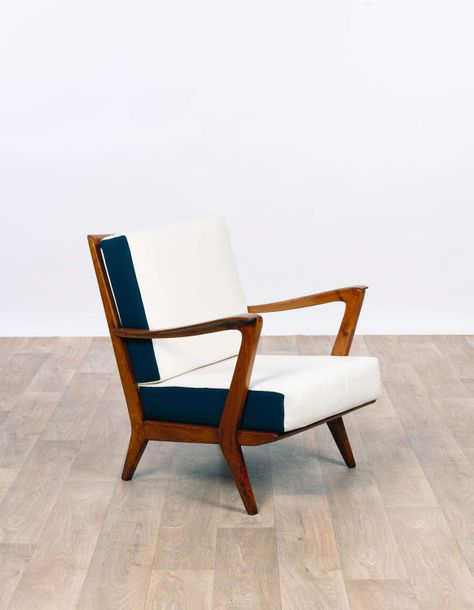 Gio PONTI (1891-1979) Fauteuil 1956 Walnut and fabric Edition Cassina  H 79 x L 57…
