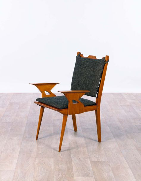 Paolo BUFFA (1903-1970) Fauteuil vers 1950 Walnut and fabric H 90 x L 59 x P 63 …