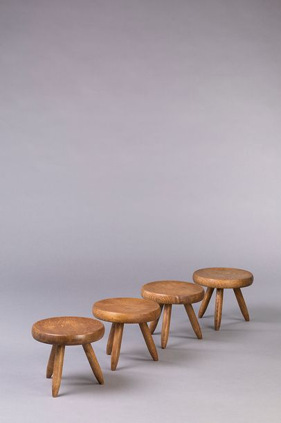 Charlotte PERRIAND (1903 1999) Berger  Tabouret bas  Bois massif  Edition Steph …