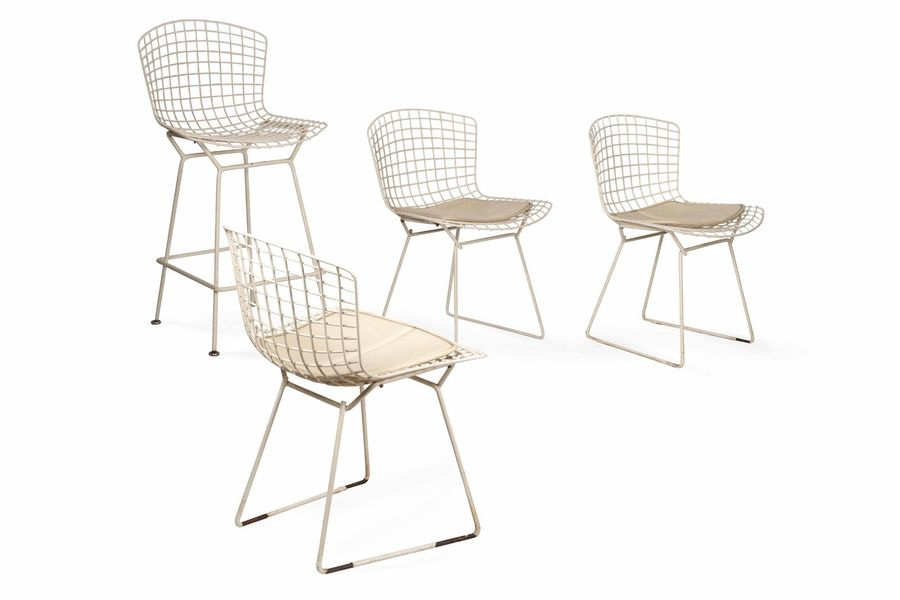 Harry BERTOIA (1915-1978)  A set of four chairs  Ensemble de quatre chaises en treillis…