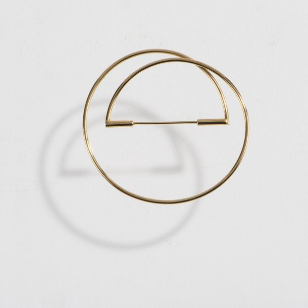 Hans Hansen, Brooch, 1970s Hans Hansen, Brooch, 1970s, 18ct yellow gold. 8 grams…