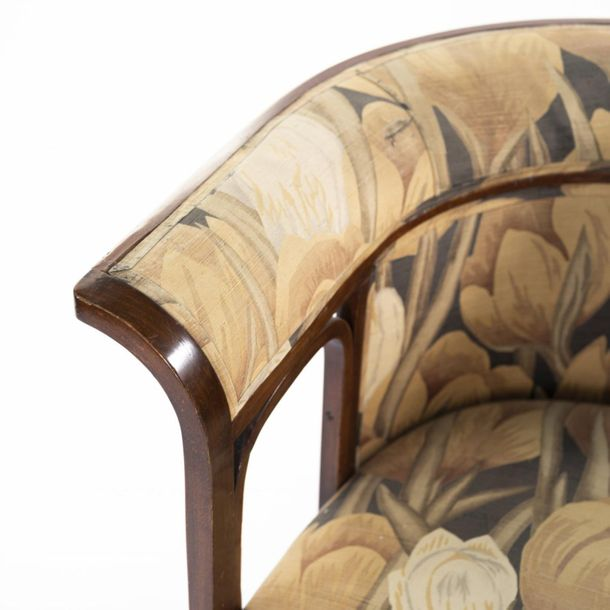 Josef Hoffmann (attributed), '675' sofa and two '428' comfy chairs, 1905 / 1911,…