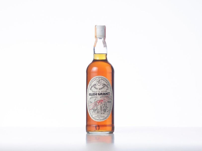 1 Bouteille HIGHLAND MALT SCOTCH WHISKY  Année : 1936  Appellation : Glen Grant …