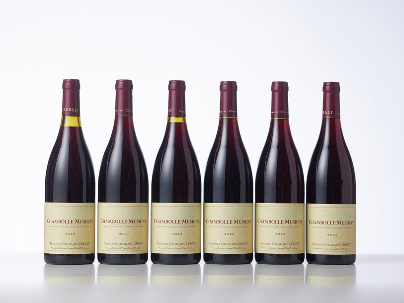 6 Bouteilles CHAMBOLLE MUSIGNY  Année : 2010  Appellation : Domaine Christian Cl…