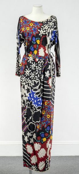 Oscar de la Renta, Collection Prêt à Porter, circa 1985  Ensemble jupe portefeuille…