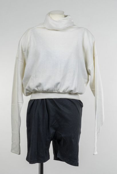 Norma Kamali, Collection Prêt à Porter, circa 1980  Combinaison short et sweat à…