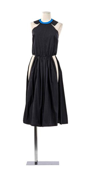 CHLOE, COLLECTION PRÊT À PORTER,  CIRCA 1978  Création Karl Largerfeld  Robe-Tunique,…