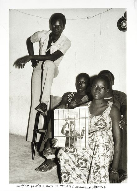 MALICK SIDIBE (1935-2016) SUPRISE PARTY, 1995-2014 Tirage argentique sur papier baryté…