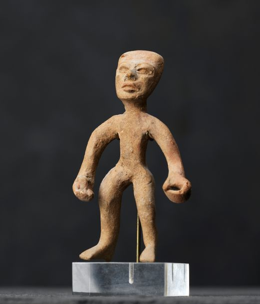 Personnage Terre cuite brune massive. Culture Teotihuacan, Mexique500 - 900 apr.…