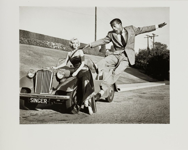 Franck Worth (1923-2000) Sammy Davis leaps for Marilyn Monroe Tirage argentique,…
