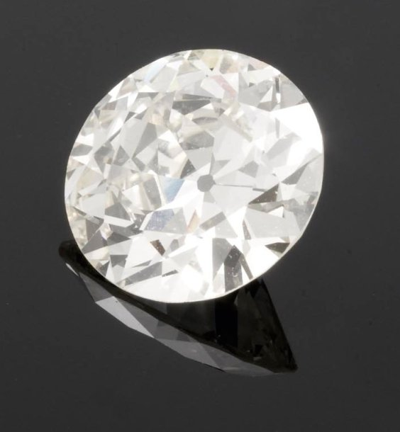 DIAMANT rond demi-taille, pesant 3,82 carats.