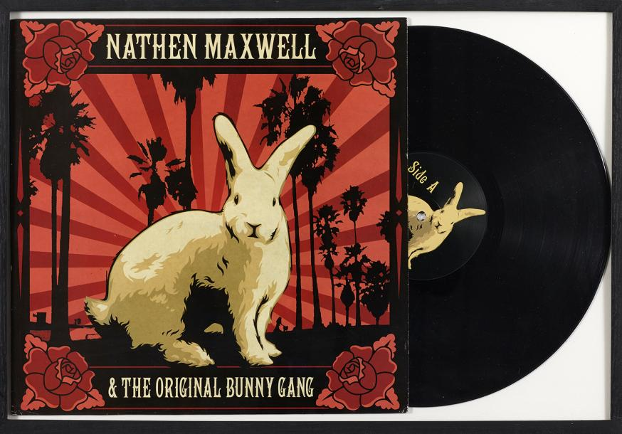 SHEPARD FAIREY (NE EN 1970) Ensemble de deux vinyles: BEULAH - THE COAST IS NEVER…