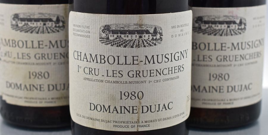 """3 bouteilles CHAMBOLLE-MUSIGNY """"Les Gruenchers"""", Dujac 1980 (LB, elt, 1 ea)"""
