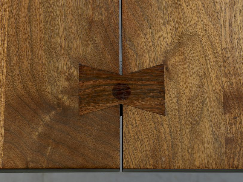 "GEORGE NAKASHIMA (1905-1990) Table ""Turned Leg"" En noyer, à plateau rectangulaire…"