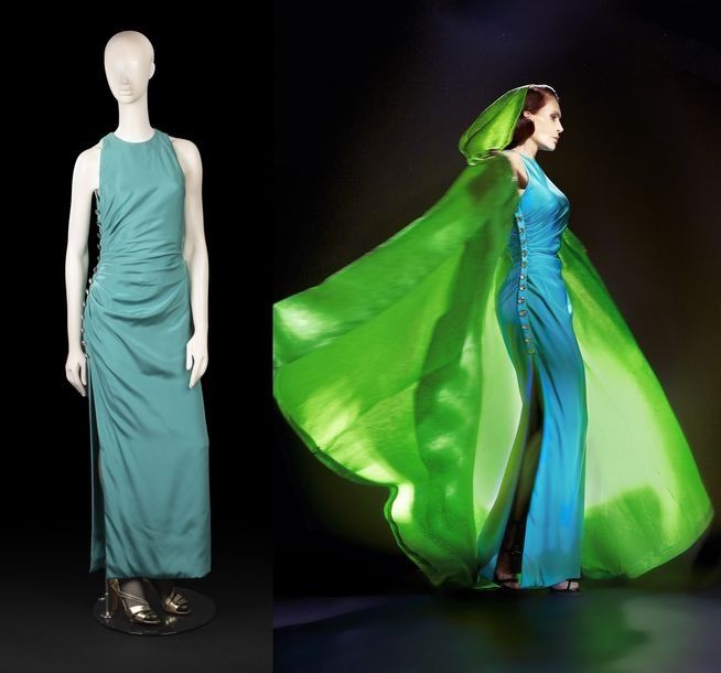 84. YVES SAINT LAURENT - COLLECTION HAUTE COUTURE, PRINTEMPS - ETÉ 1991 N° de passage…