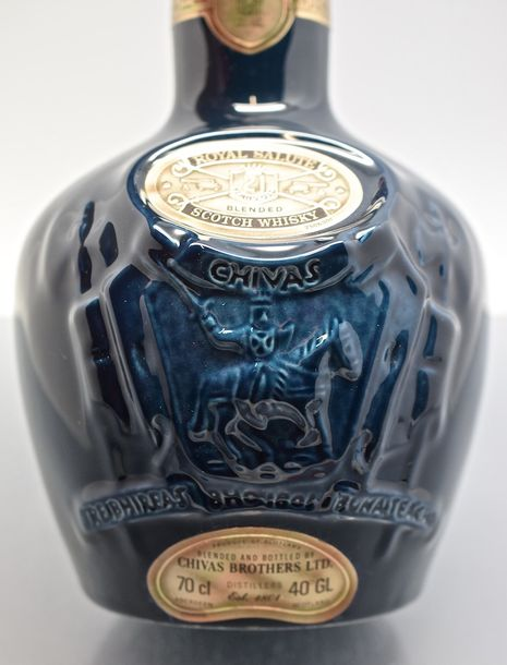 "1 bouteille SCOTCH WHISKY ""Royal Salute"", Chivas Brothers 21 ans (bouteille en g…"