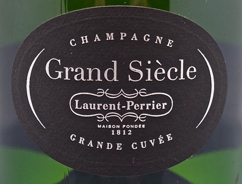 """1 bouteille CHAMPAGNE """"Grand Siècle"""", Laurent-Perrier (n° 24)"""