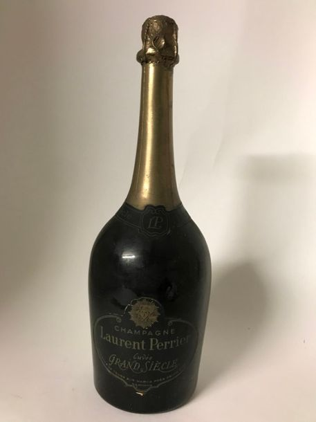 1 bouteille de Champagne LAURENT PERRIER GRAND SIECLE, étiquette, collerette et …