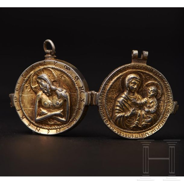 A Late Byzantine reliquary pendant, 2nd half of the 14th early 15th century Circ…