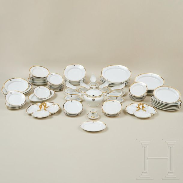 78 pieces from the large dinner service of the Princes of Schwarzburg Rudolstadt…