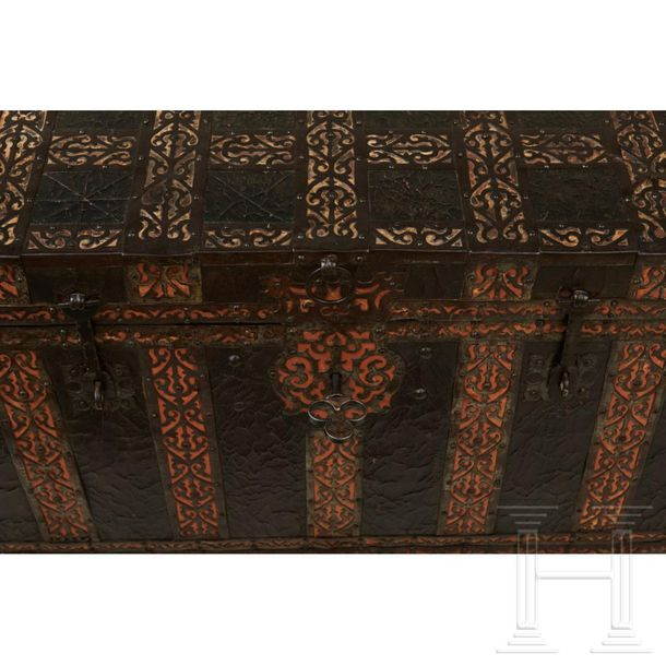 A rare French Renaissance chest with fine iron fittings, 17th century Free stand…