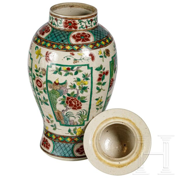 A large Chinese famille verte vase with lid, late Qing period, circa 1900 Large …