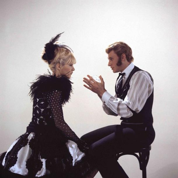 SYLVIE VARTAN & JOHNNY HALLYDAY PAR GILBERT MOREAU - 1965 Le plus célèbre couple…