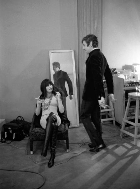 Serge Gainsbourg et Brigitte Bardot. Le backstage de Comic Strip 1967. Photographie…