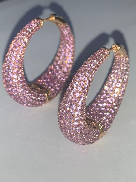 PAIR OF GRAND SAPPHIRES CREOLS  18K rose gold, natural pink sapphires 28 ct  4,5…