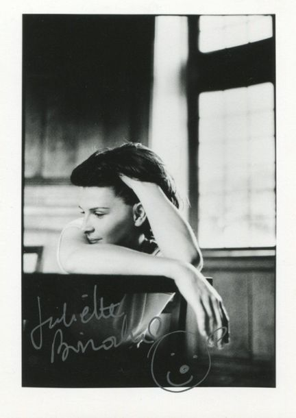 ACADEMY AWARD WINNERS: Selection of signed postcard photographs (3), 8 x 10s (3)…