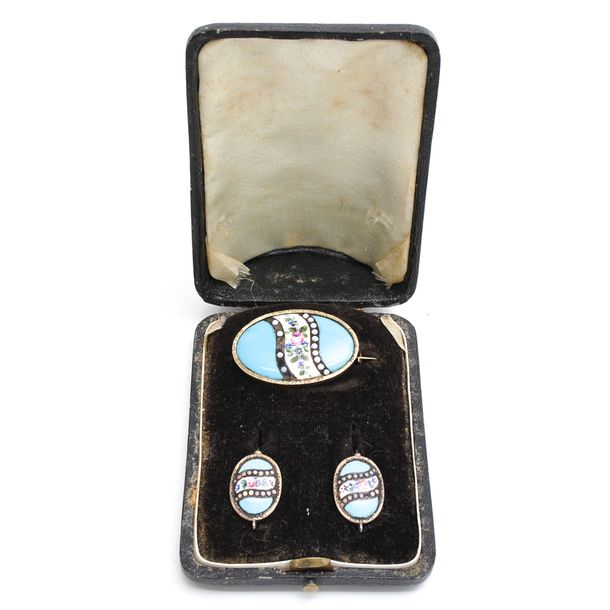 A 19th Century Box with Brooch and Earrings in Enamel Brooch is 38 mm.