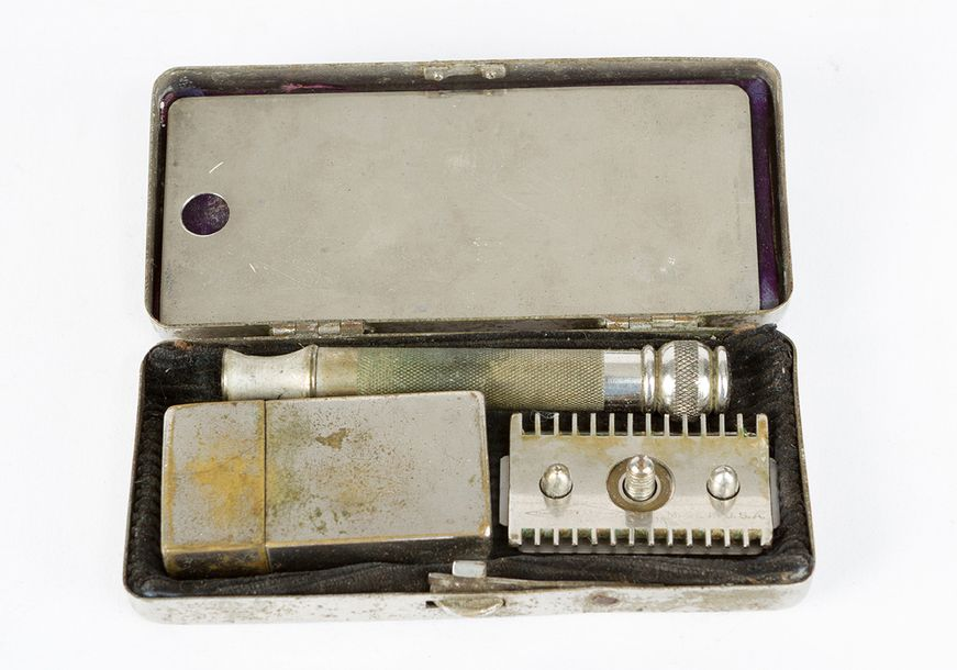 American Civil War box, rectangular shape with one lid, on top eagle, anchor and…